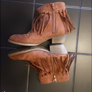 Girl's Ankle Boots Size 4